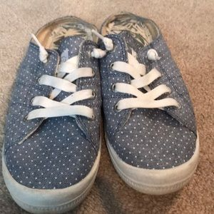 Shoes - Roxy Slides
